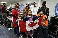 Как канадцы относятся к иммигрантам и беженцам?