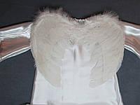 """Детский новогодний костюм """"АНГЕЛОЧЕК"""".Платье балахон, крылья ангела белые, нимб. Атлас, натуральное перо"""