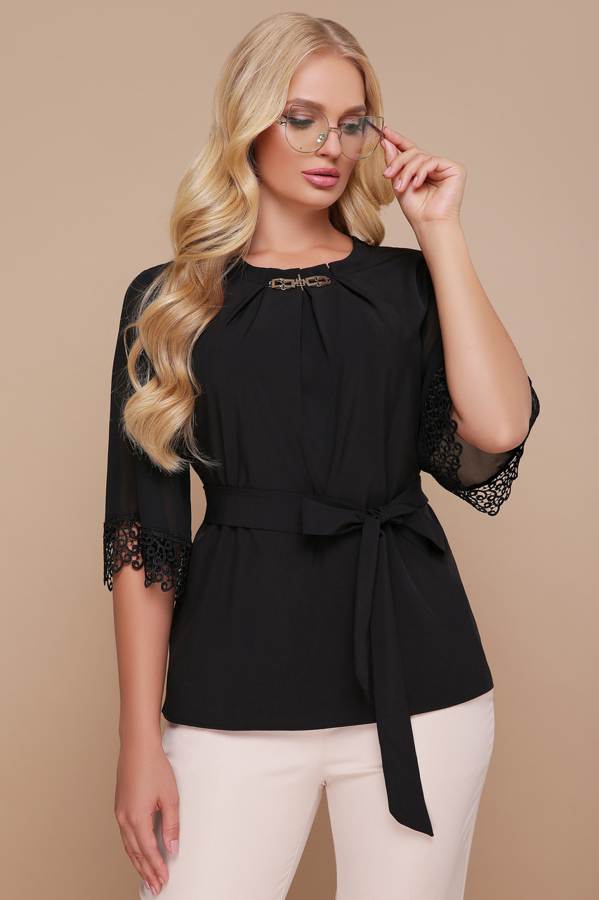Блуза нарядна з софту та кружева