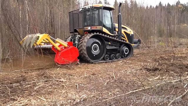 Фото мульчера на гусеничном тракторе