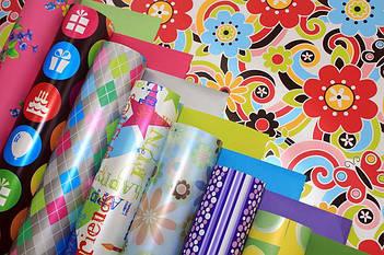 Бумага для упаковки подарков в листах и рулонах
