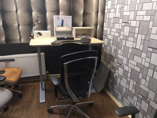 Офис Ergo Place в Житомире. Стол Ergo Place.