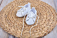 Чем отличаются пинетки от носочков для малышей?
