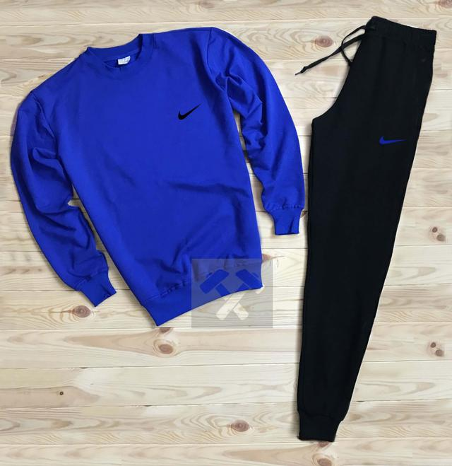 Спортивный костюм Nike черно-синего цвета