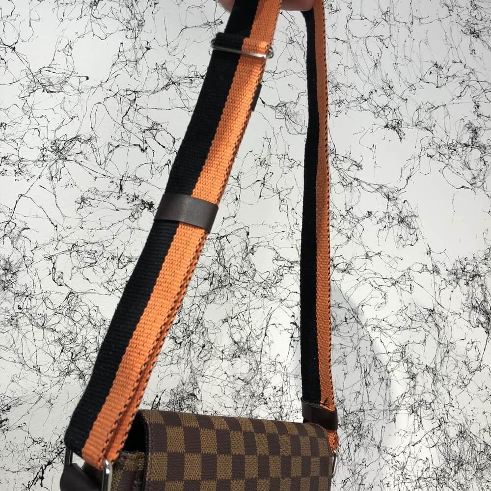 Мужская сумка Louis Vuitton District MM Damier Ebene, Копия  продажа ... a7c9d33e63d
