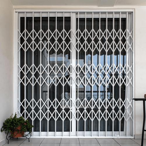 Защитные раздвижные решетки на двери и окна