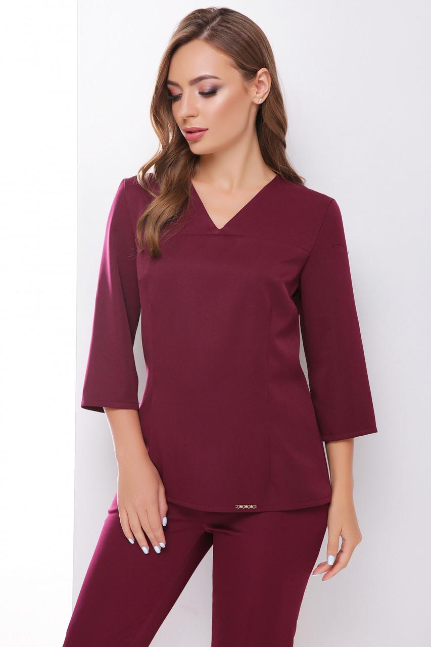Элегантная блузка в деловом стиле с V-образной горловиной цвет баклажановый