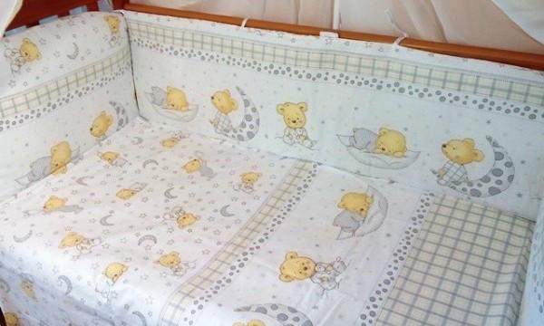 Простынь на резинке 120х60х18 см Мишка в пижамке серый