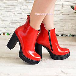 Ботинки лаковые женские демисезонные на высоком каблуке, декорированы молнией. 38 размер