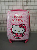 Детская сумочка Hello Kitty на четырех колесиках
