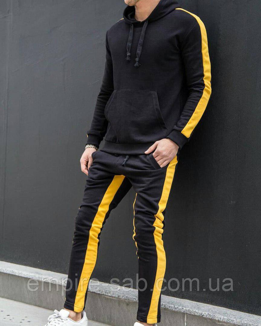 Спортивный костюм с лампасами