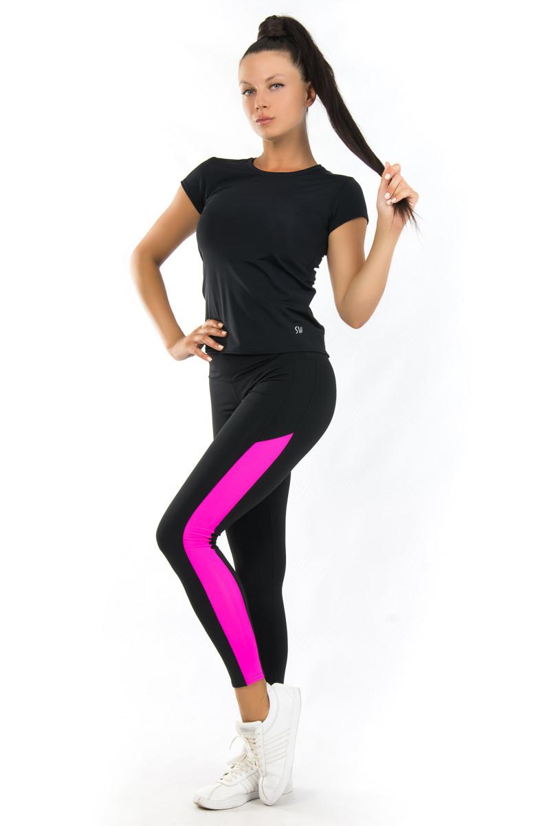 Чёрно матовая спортивная футболка в комплекте с лосинами