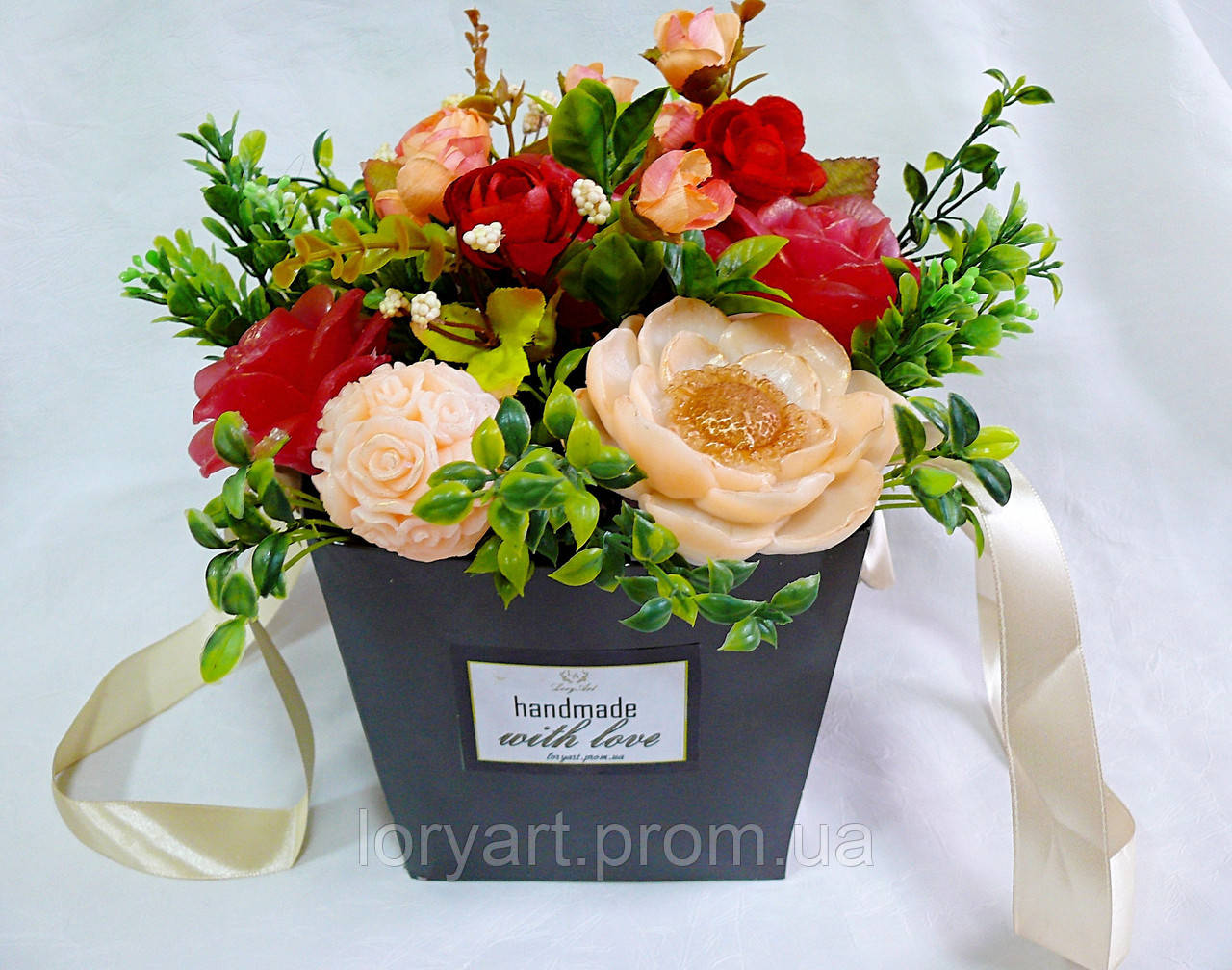 5e1a25fa5a0879 Букет із мильних квітів