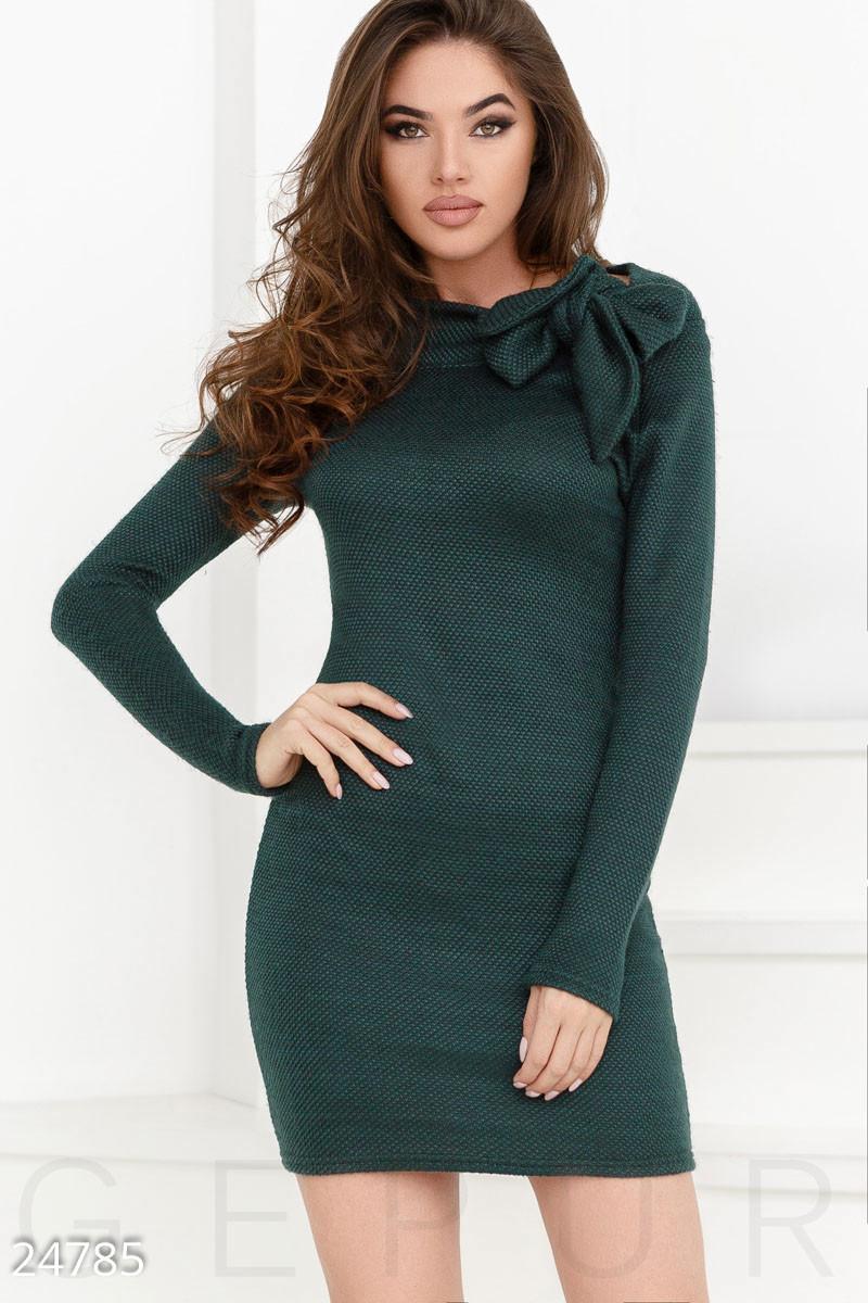 Темно-зеленое трикотажное платье мини с завязкой