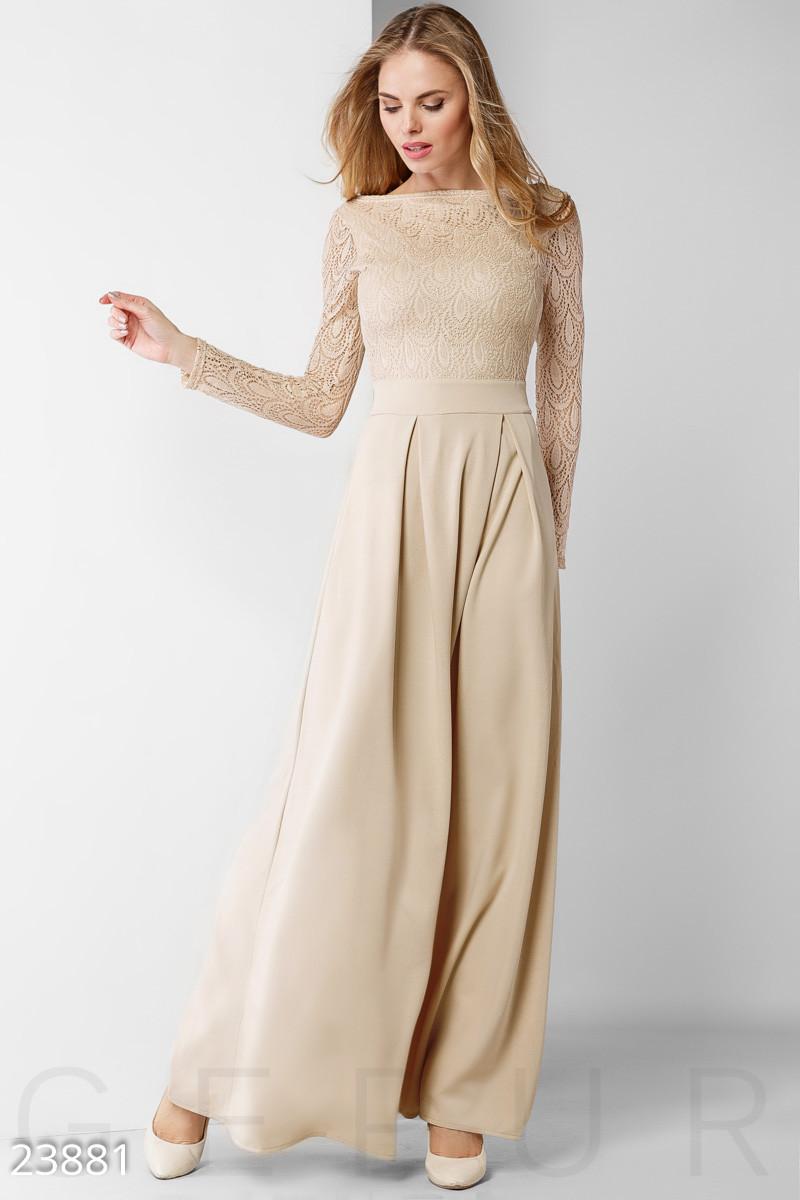 Платье в пол молочного цвета