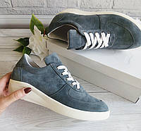 Замшевые кроссовки серого цвета. Обувь Днепр., фото 1