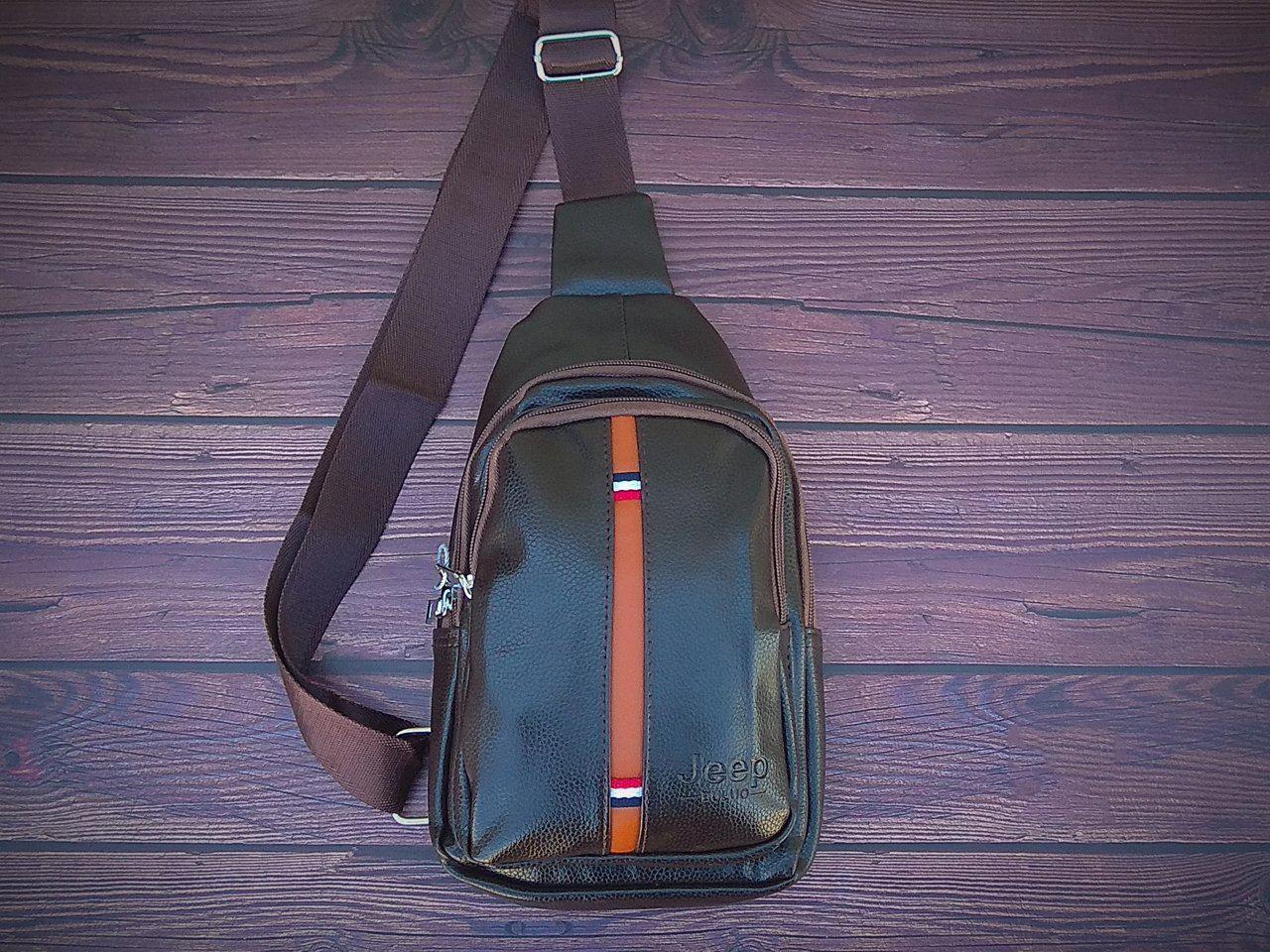 Сумка-рюкзак на одно плечо в стиле Jeep коричневая