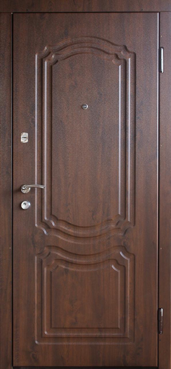 """Входная дверь """"Портала"""" (серия Премиум) ― модель Классик"""