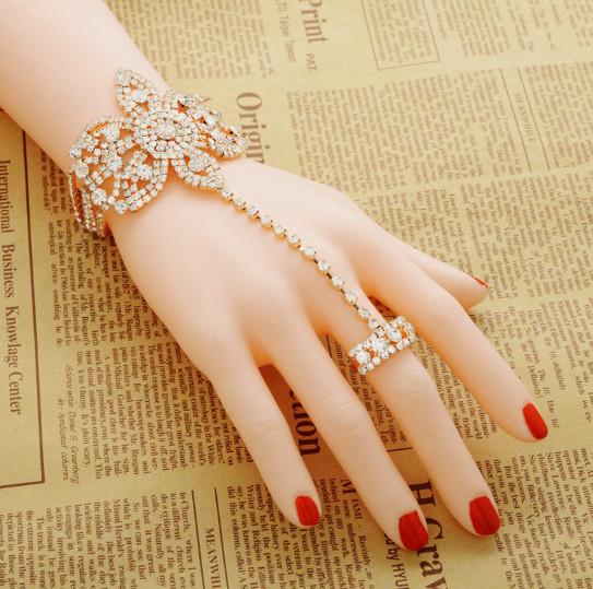 Браслет кам'яна квітка з ланцюжком на палець
