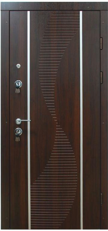 """Входная дверь """"Портала"""" (серия Люкс) ― модель Торнадо-2"""