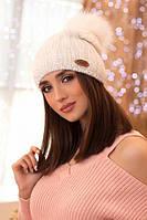 Красивая вязаная шапочка Магдалина белая