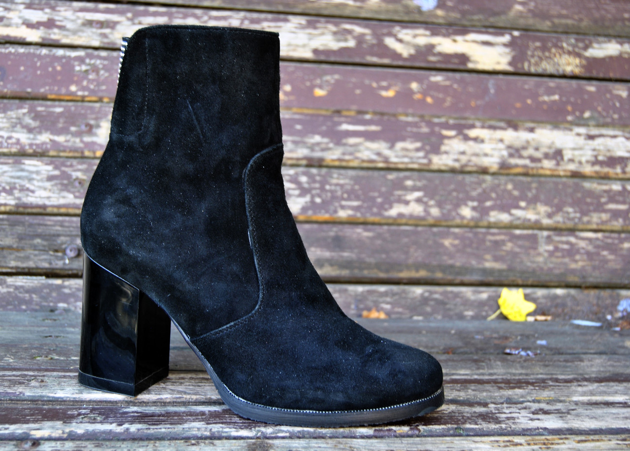 0f32a809daea Замшевые ботинки на каблуке - Bigl.ua