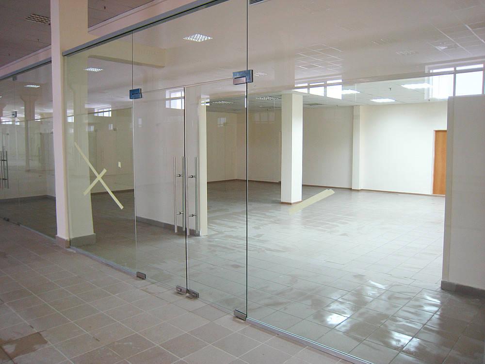 Производство стеклянных перегородок из каленого стекла для торговых центров