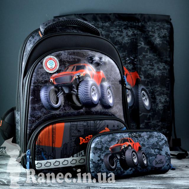 Школьный набор DeLune (рюкзак+сменка+пенал+брелок) 9-120