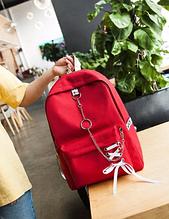 Рюкзак с лентами и цепью красный