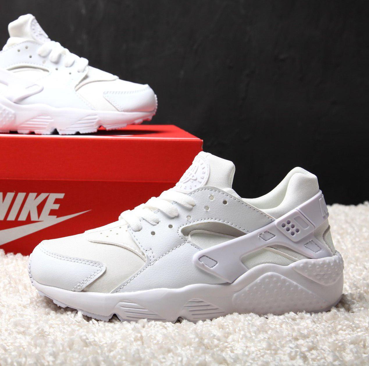 Женские кроссовки Nike Air Huarache White