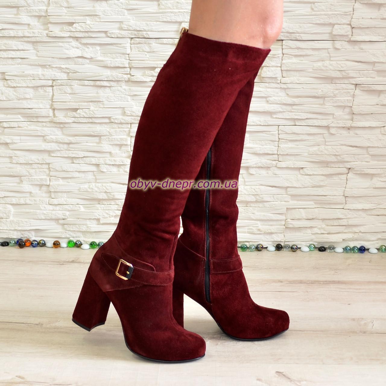 Високі замшеві чоботи на стійкому каблуці, колір бордо