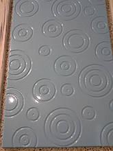 Фасад в фрезеровкой в виде кружечков (пленочный мдф).