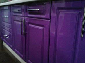 """Фиолетовый цвет фасада кухни в фрезеровке """"классическая рамка"""""""