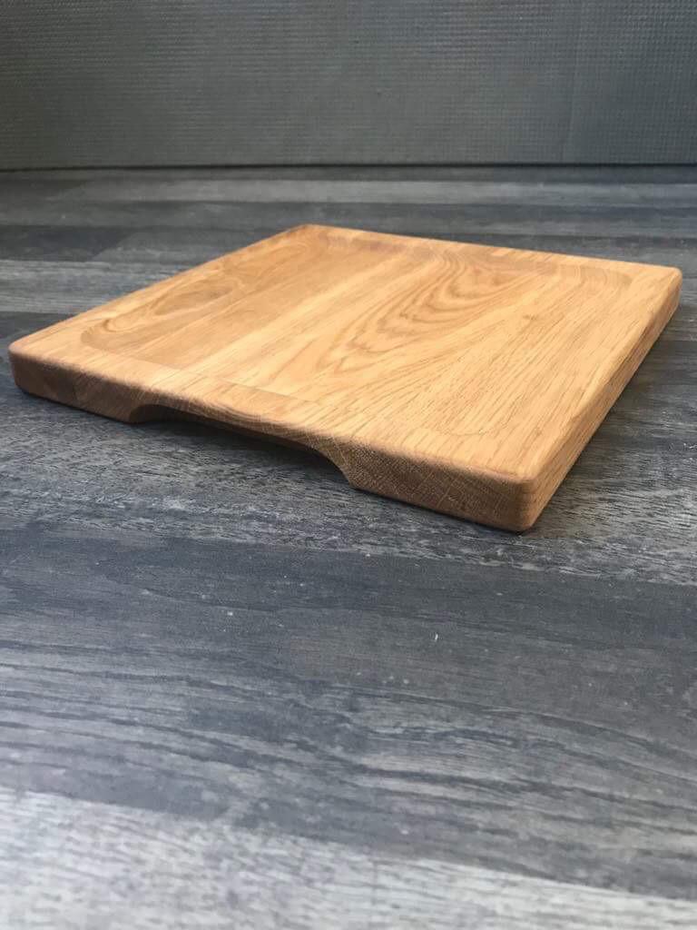 Дошка для подачі квадратна з поглибленням