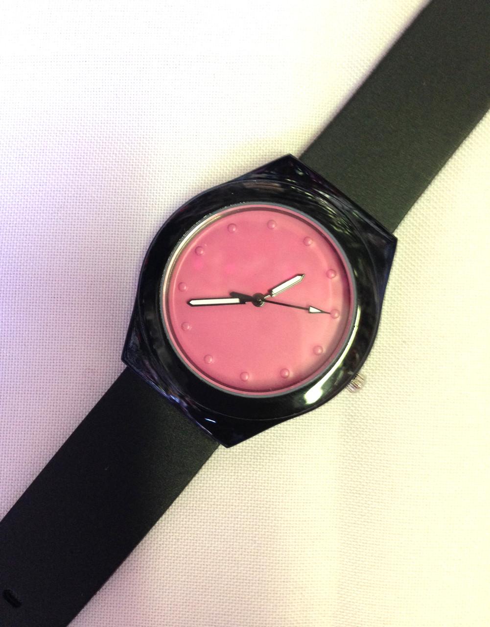 Женские часы, кварцевые черные