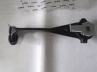 Кронштейн подвески двигателя правый Trafic 1,9-2,5DCI 01-06, фото 1