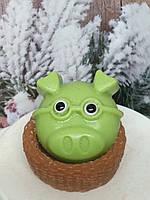 Рождественское мыльце поросенок в корзинке. Общий вес 190 г. Шикарный подарок свинья в новый год и сочельник