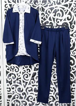 """Женский костюм-двойка темно-синий блуза с имитацией жакета и брючки  """"Креп-Дайвинг"""" 48, 50, 52,54 размер батал, фото 2"""