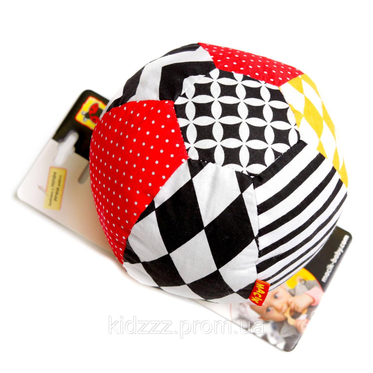 Мячик-погремушка B&W TM Macik