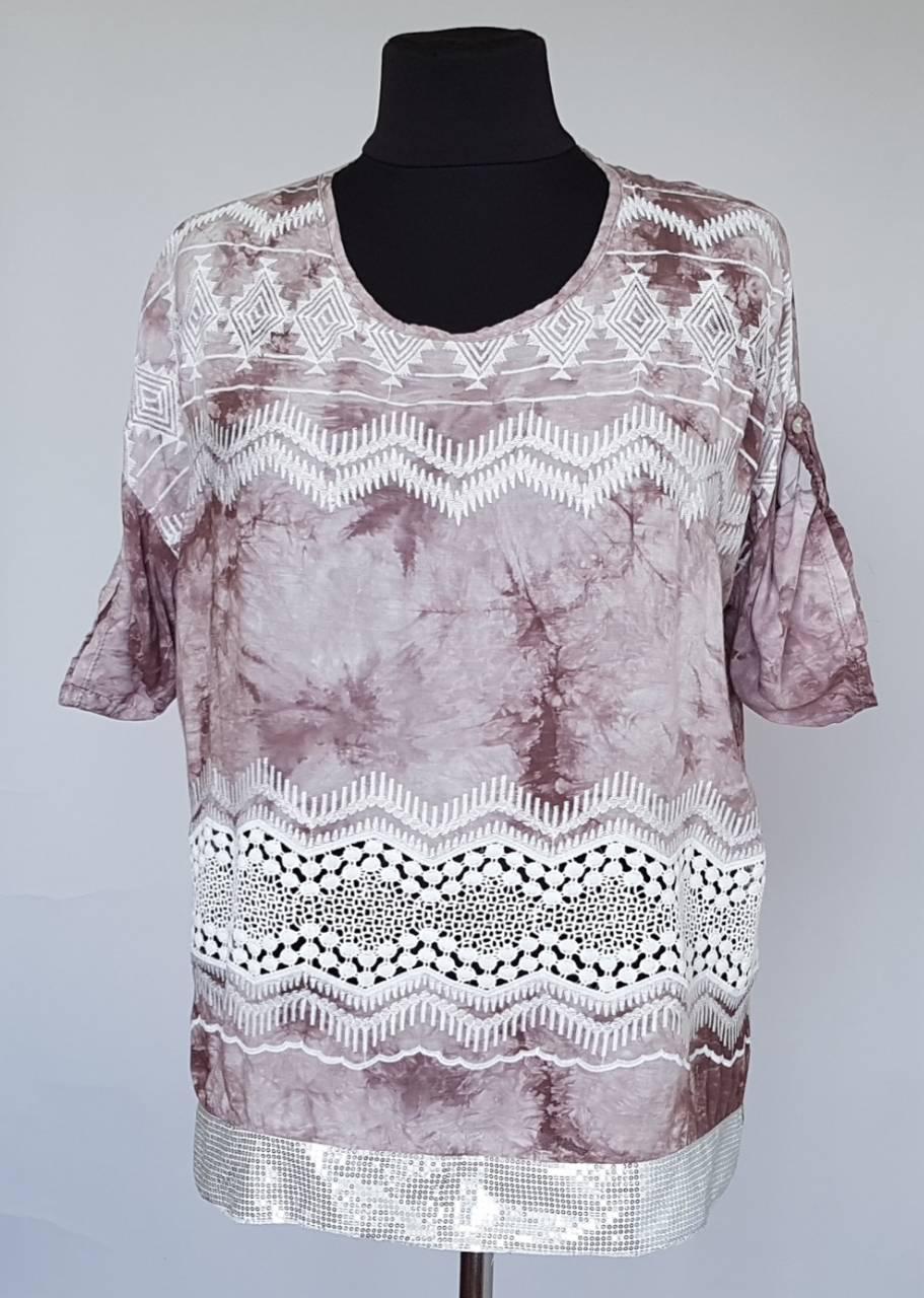 Блуза женская в расцветках с округлым вырезом
