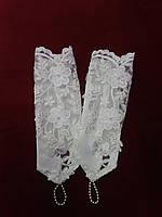 Детские перчатки  бежевые с гипюром