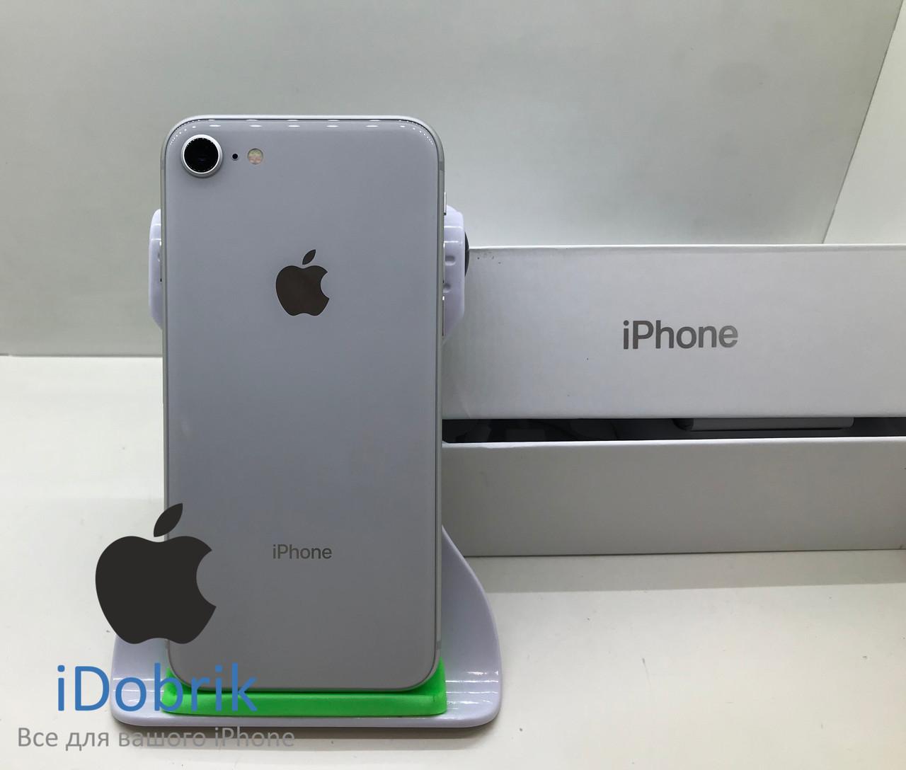 Телефон Apple iPhone 8  64gb  Silver  Neverlock  9/10