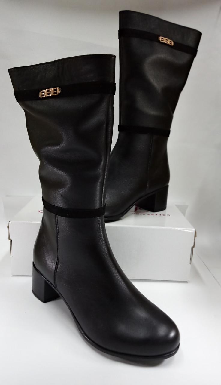 Женские демисезонные сапожки  МИДА 22347 черные, кожаные на маленьком каблуке.