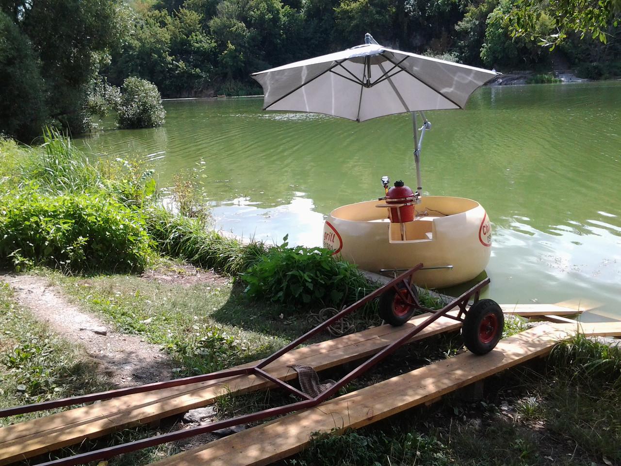 Лодка гриль на 5 человек сделано в Украине