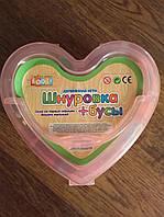 Деревянная игрушка Шнуровка MD 0686 фигурки с картинками (53 бусины и 2шнурка) в чемодане