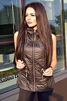 Куртка-жилетка безрукавка на молнии с капюшоном