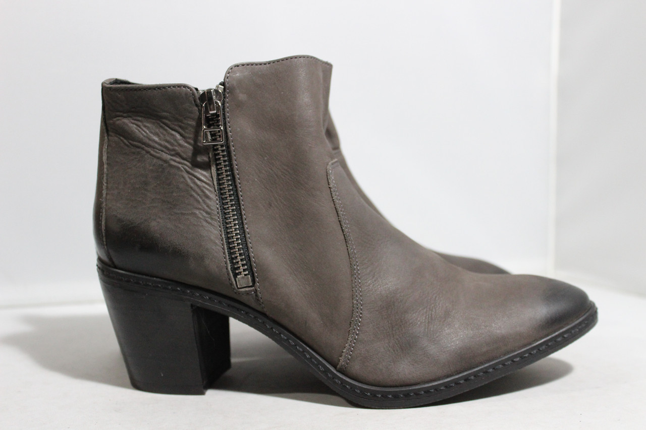 Женские кожаные ботинки Andre