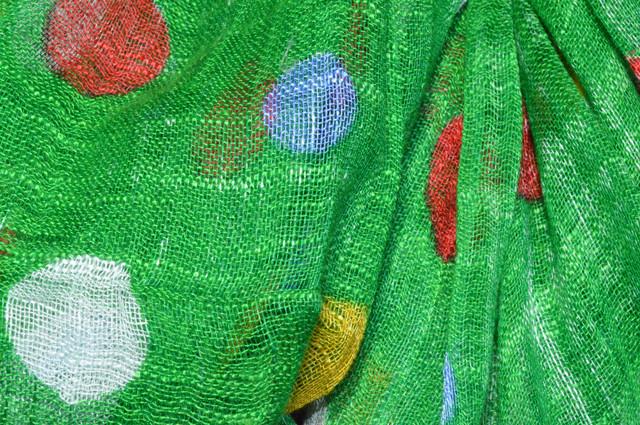 Зеленый горохами льняной шарф фото 2