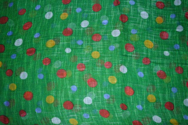 Зеленый горохами льняной шарф фото 3