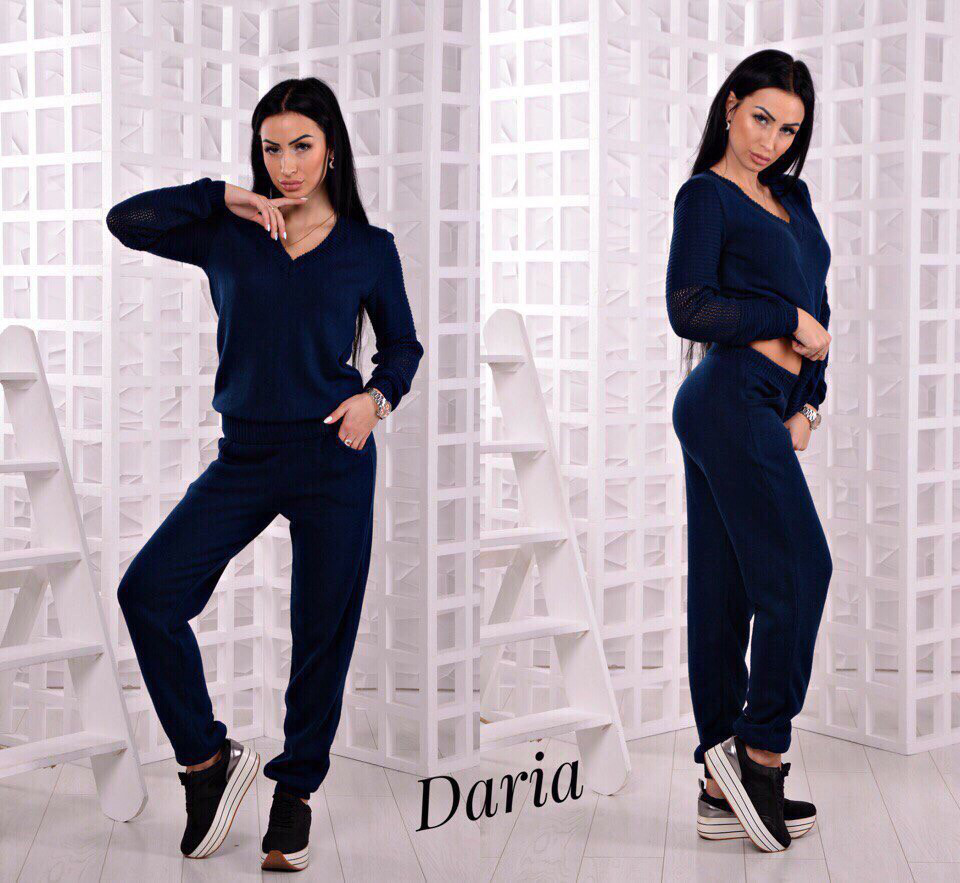 Вязнанный костюм Модель № 12. Турция Размер 42/44 и 44/46 Разные цвета.(4002)